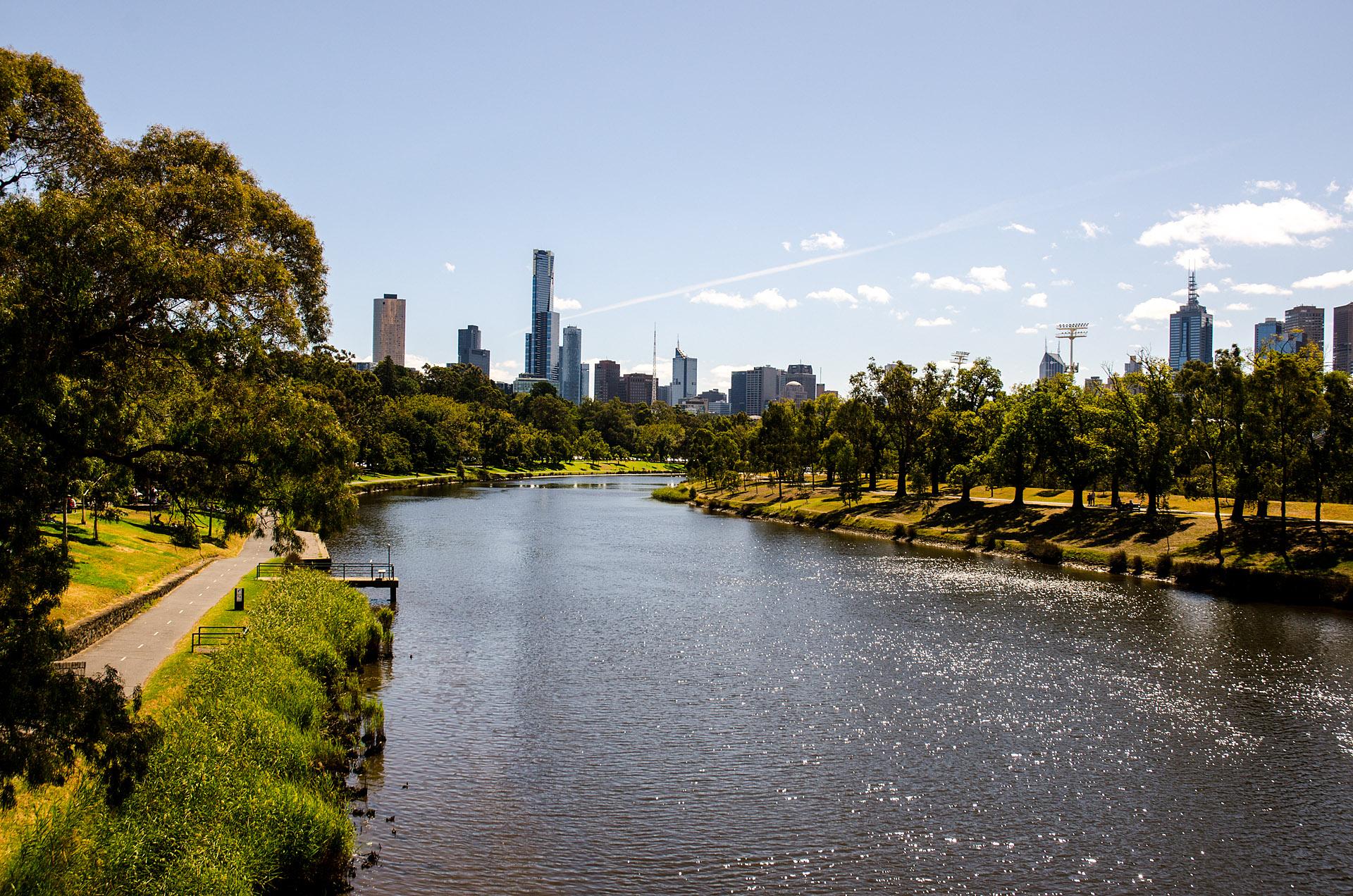Yarra River & Melbourne skyline