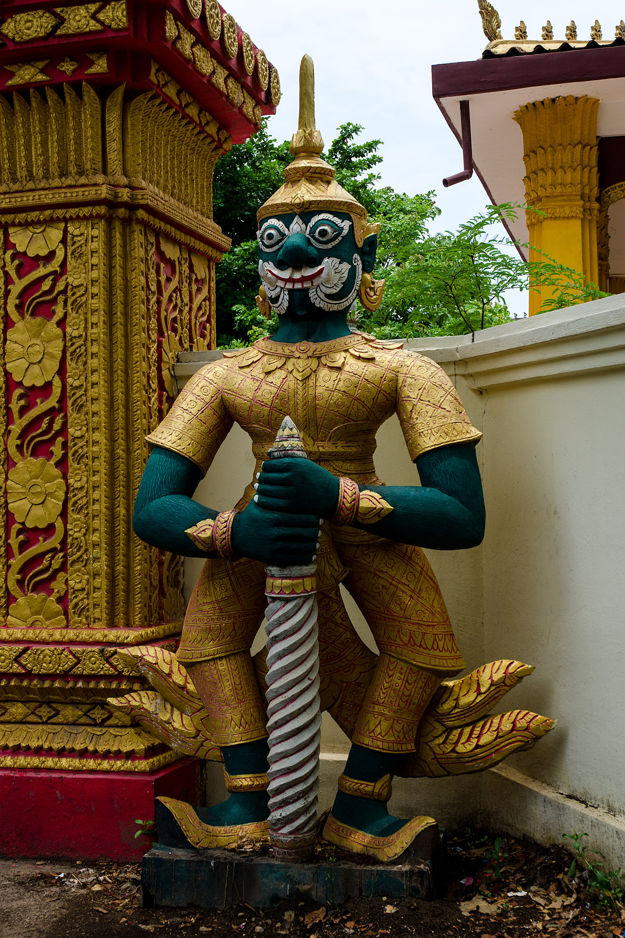 Guardian at Wat Mixai