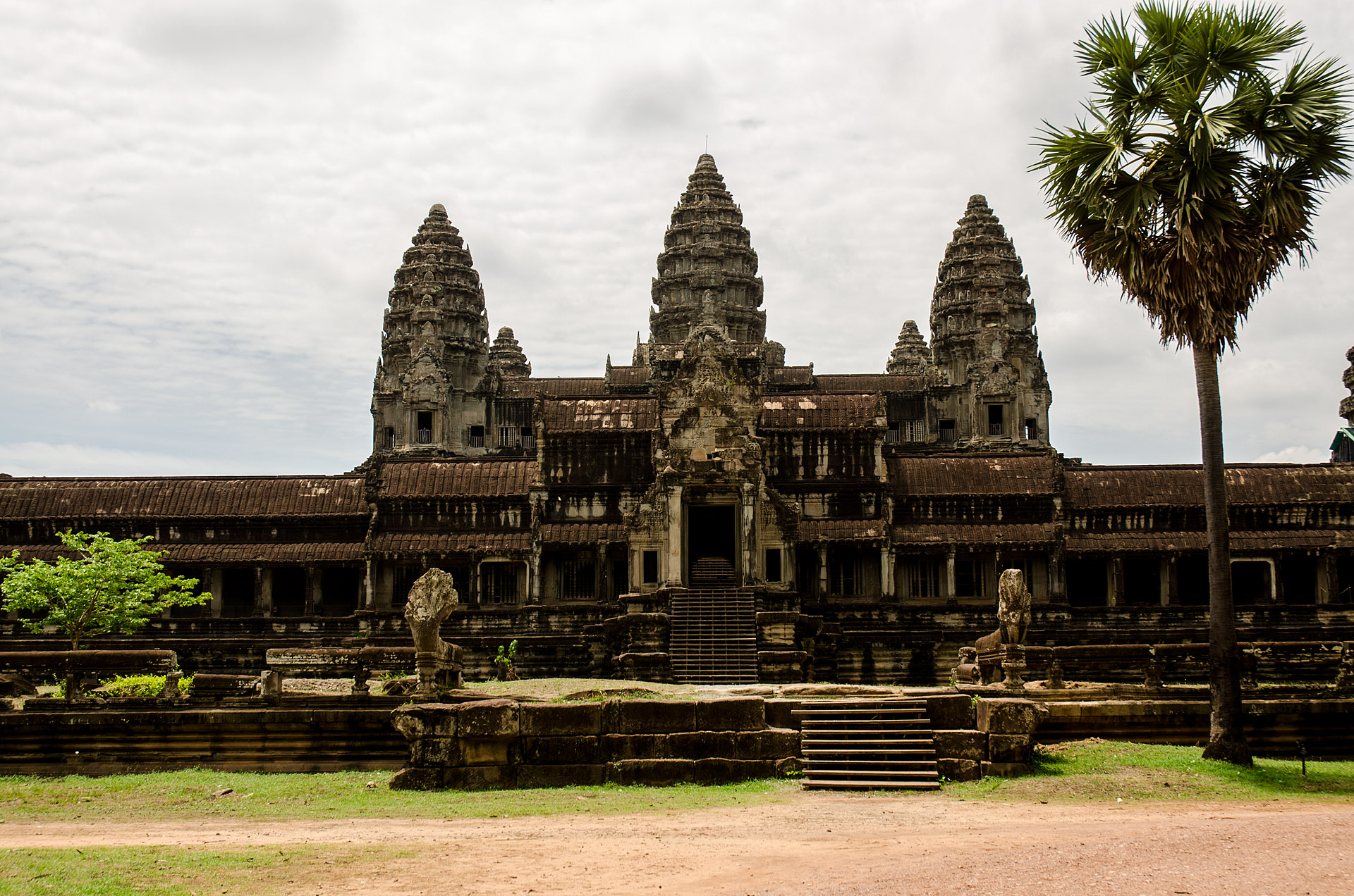 Angkor Wat from south gate