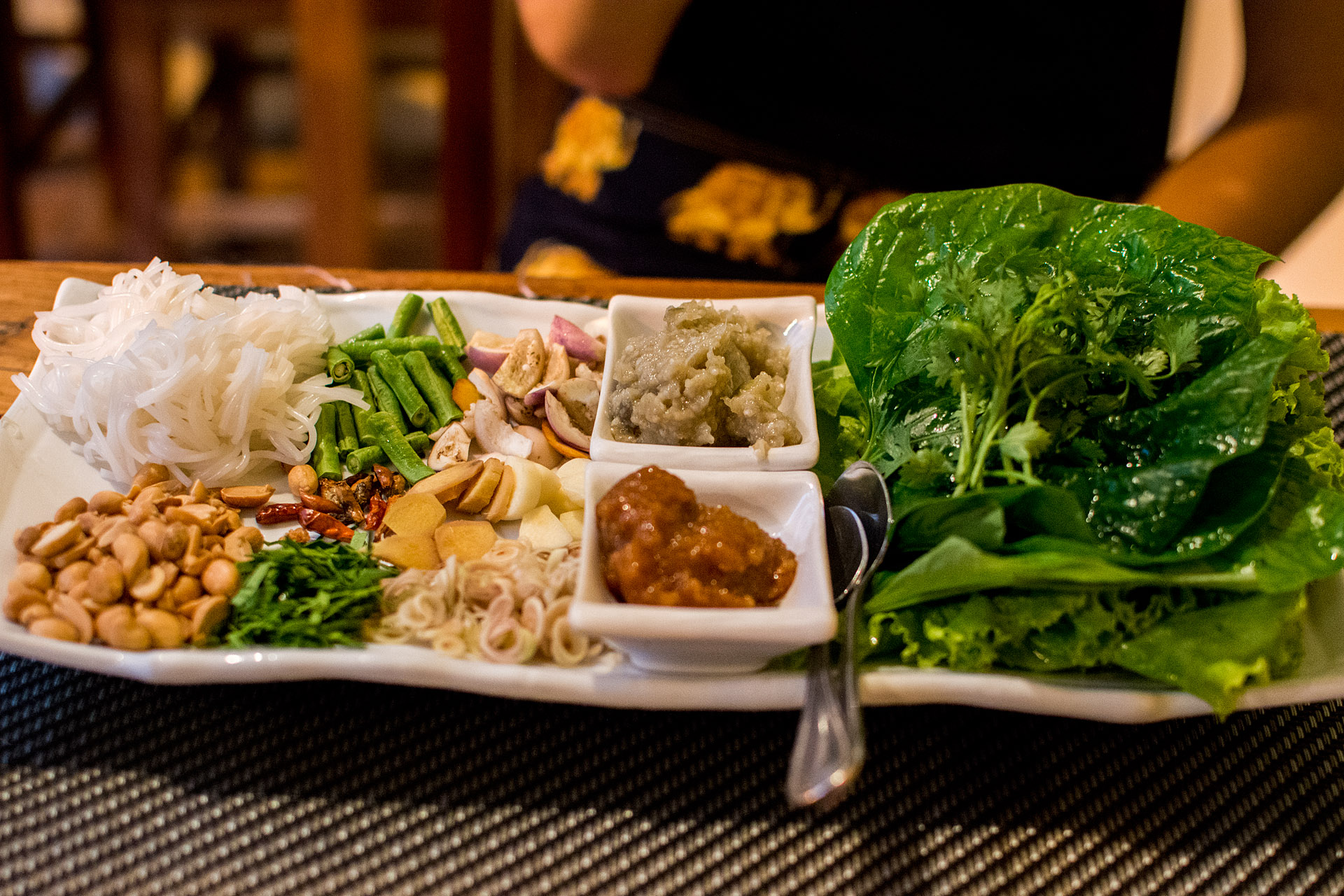 Make-your-own miang (Tamarind)