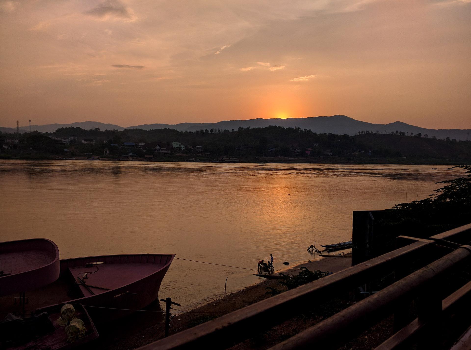 Mekong sunset (Houay Xai, Laos)