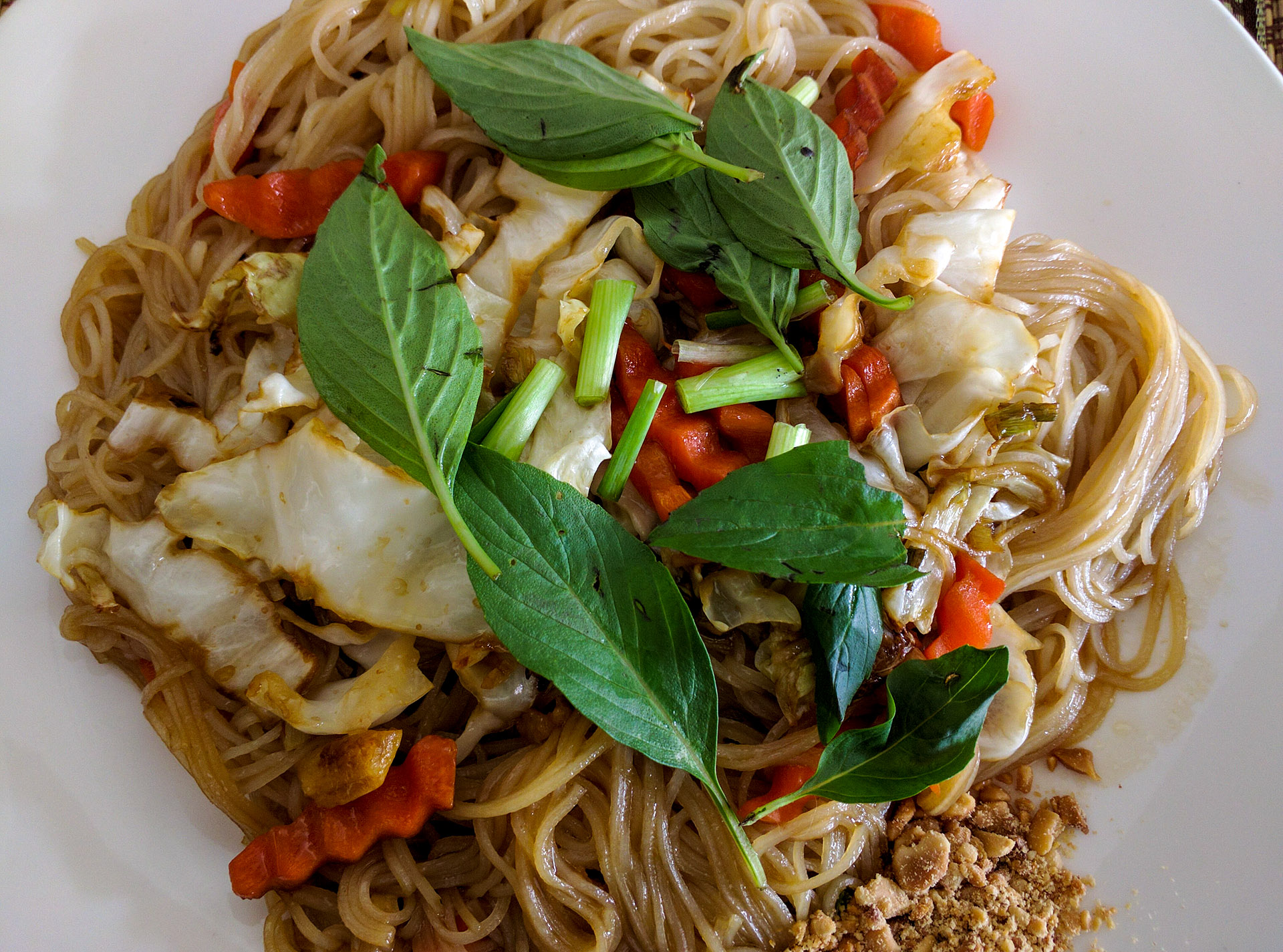 Rice noodles with Siem Reap basil