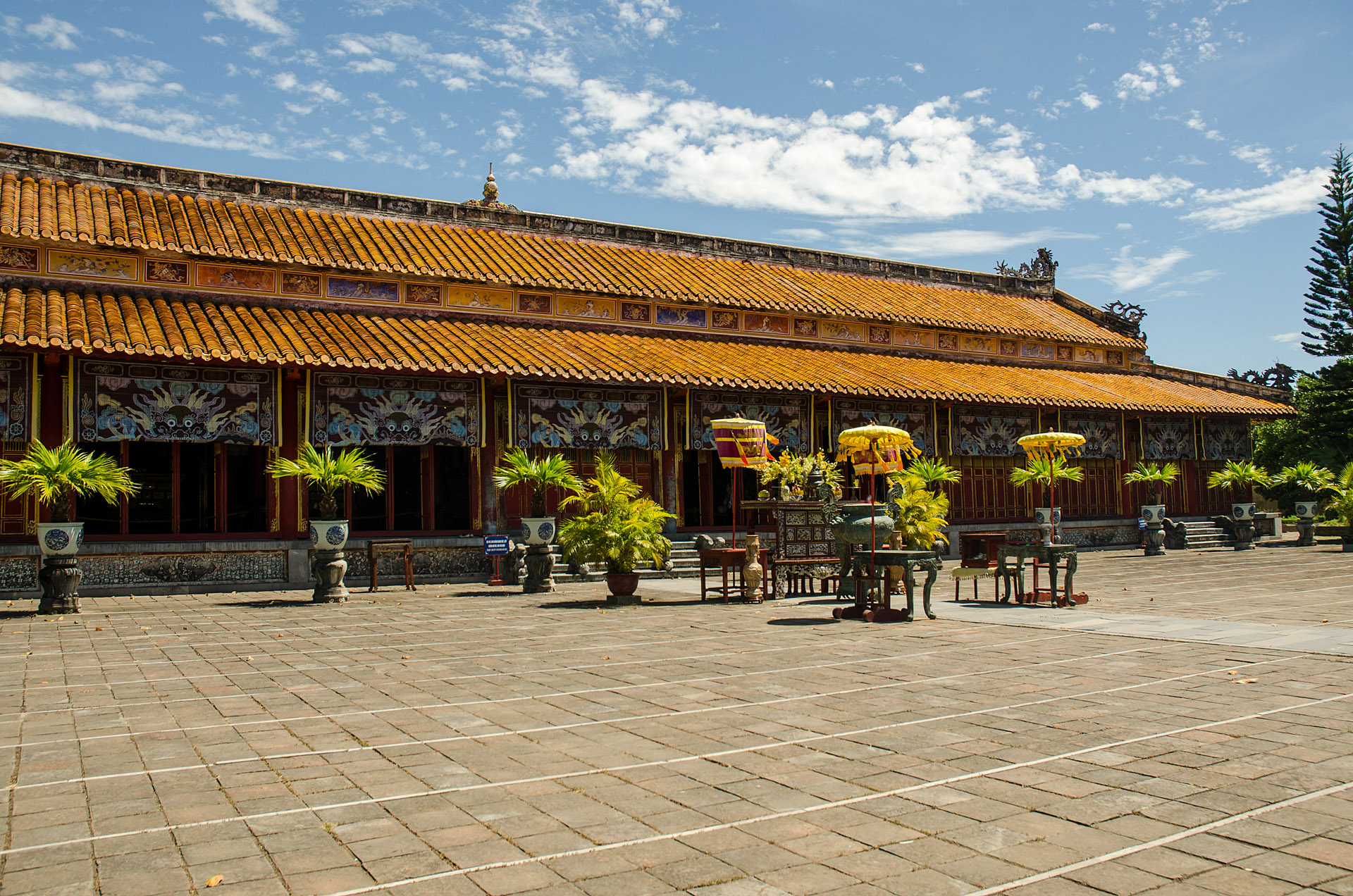 Hung Mieu Temple