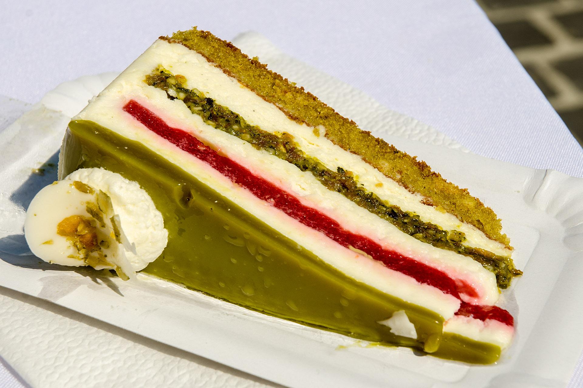 'National cake' (Green Gold of Orseg)