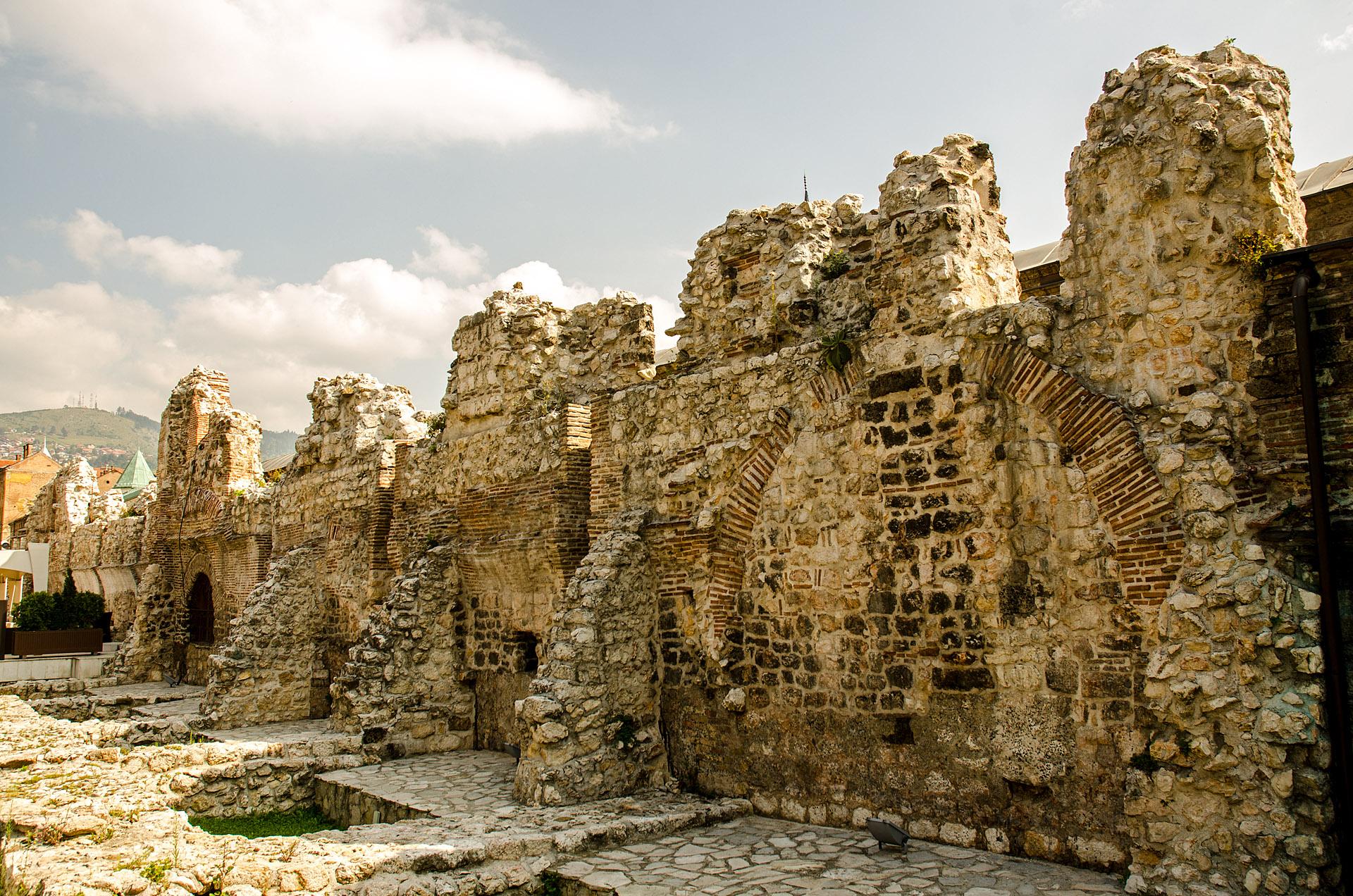 Taslihan ruins (historic inn, c. 1540)