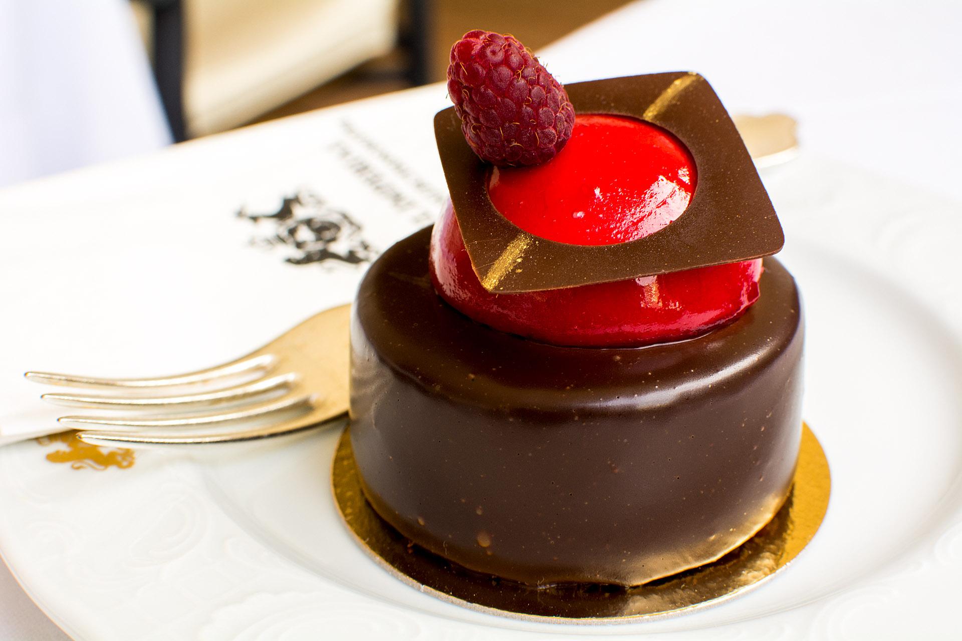 Raspberry chocolate torte