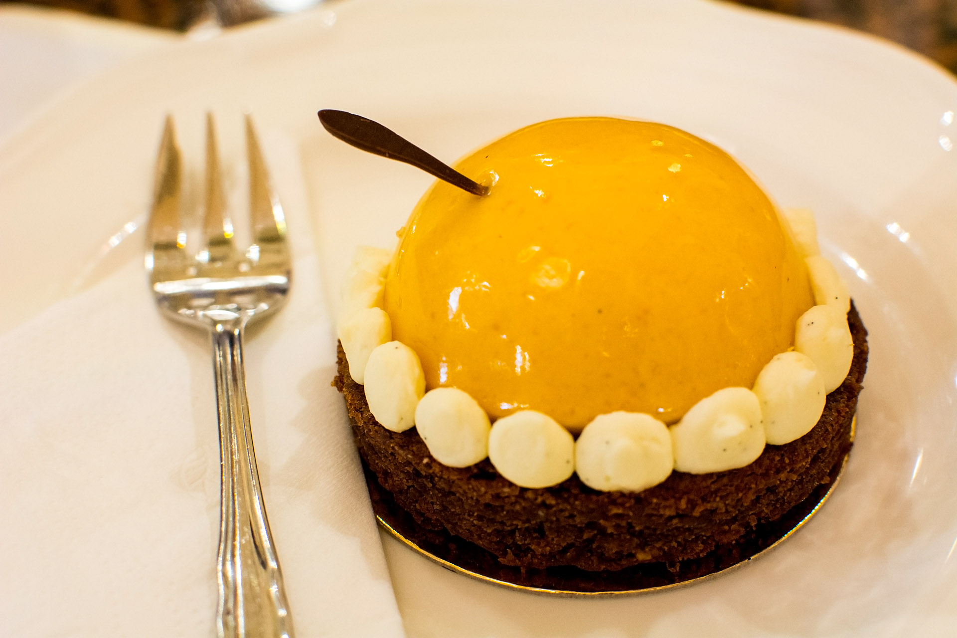 Sisi's Marille (apricot mousse & chocolate brownie)