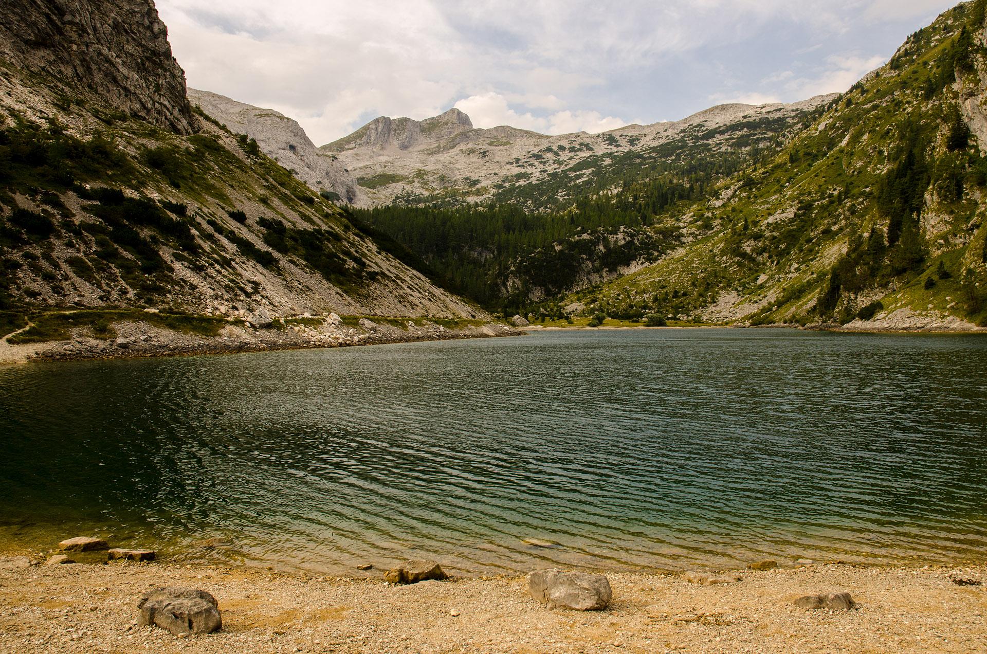 Krn Lake (Krnsko Jezero)