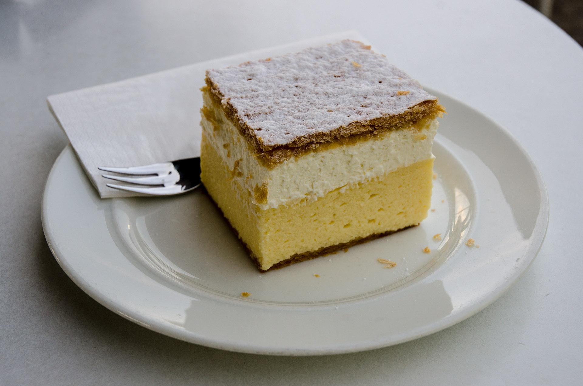 Bled cream cake (kremna rezina)