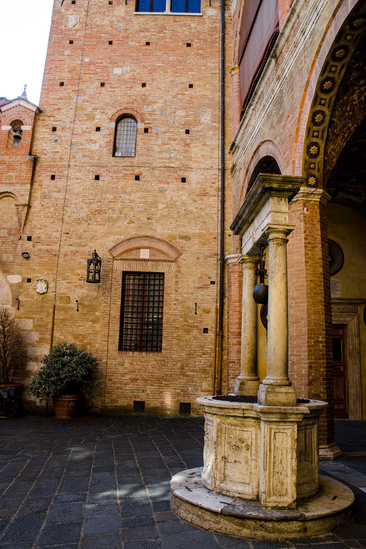 Palazzo Chigi-Saracini