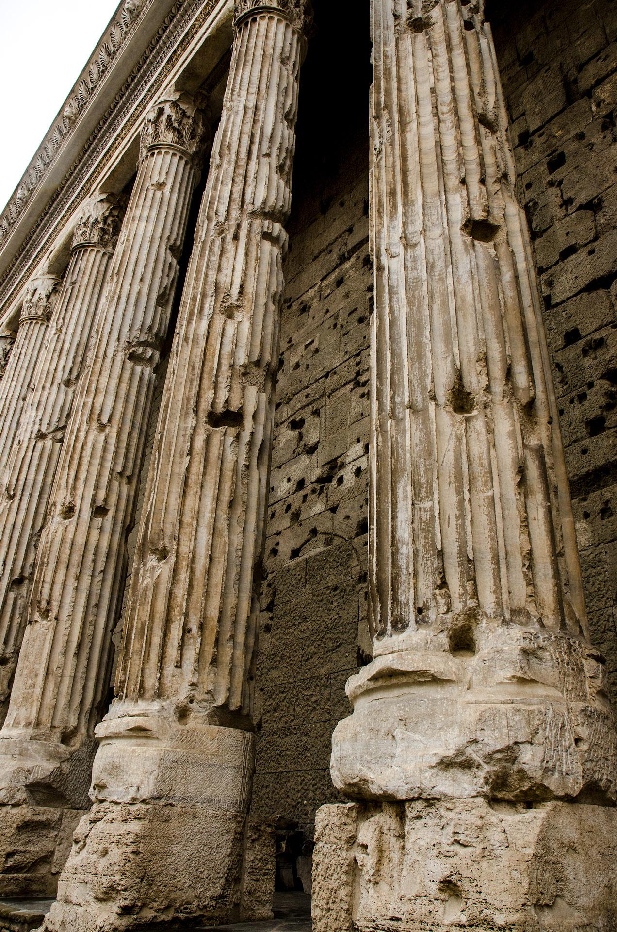 Temple of Hadrian (Piazza di Pietra)
