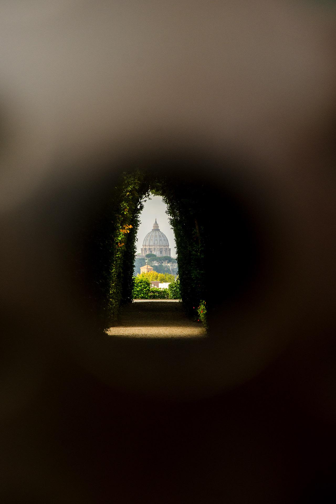 Buco di Roma ('keyhole view,' Aventine Hill)