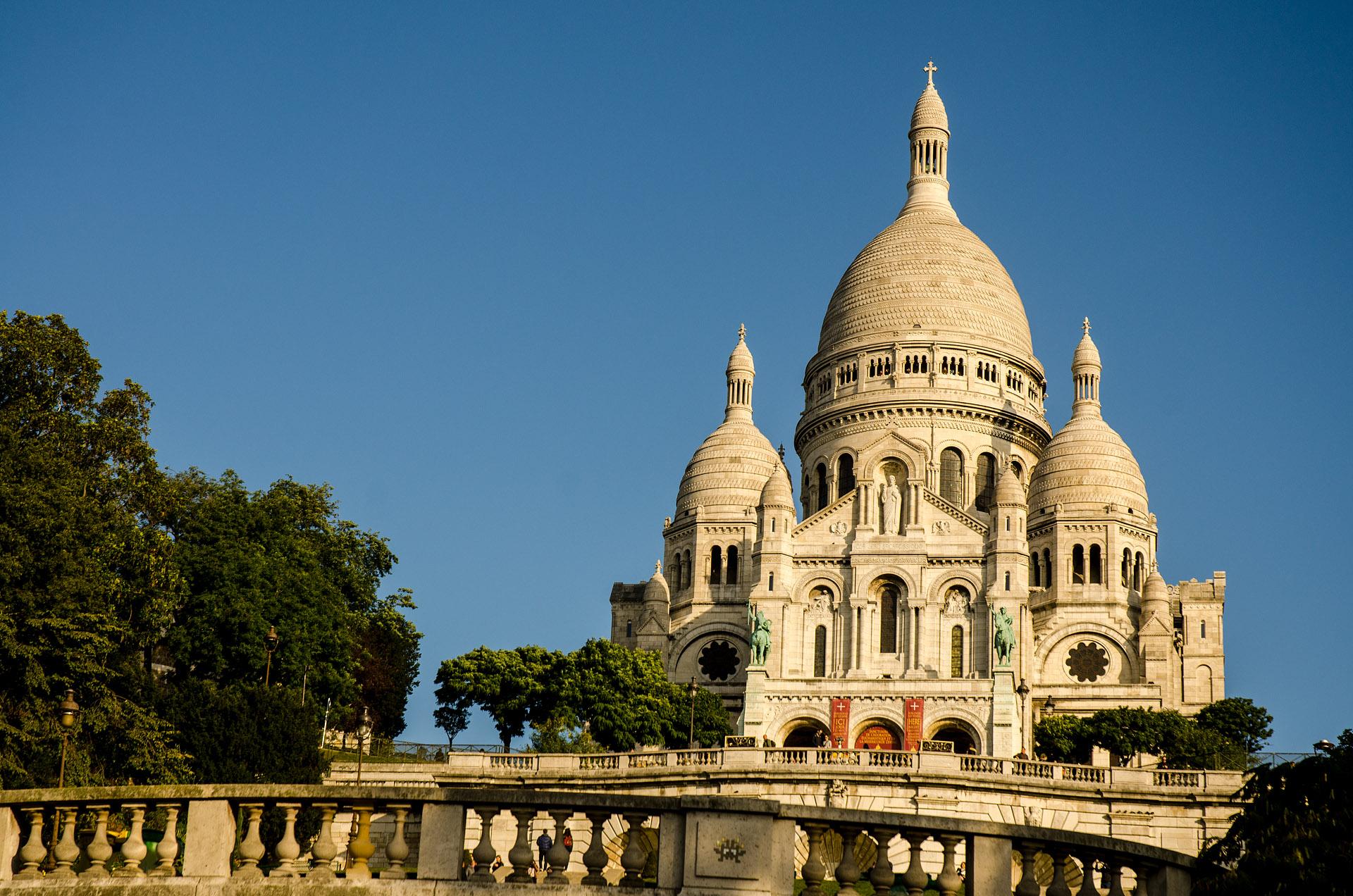Sacre-Coer Basilica (Montmartre Hill)