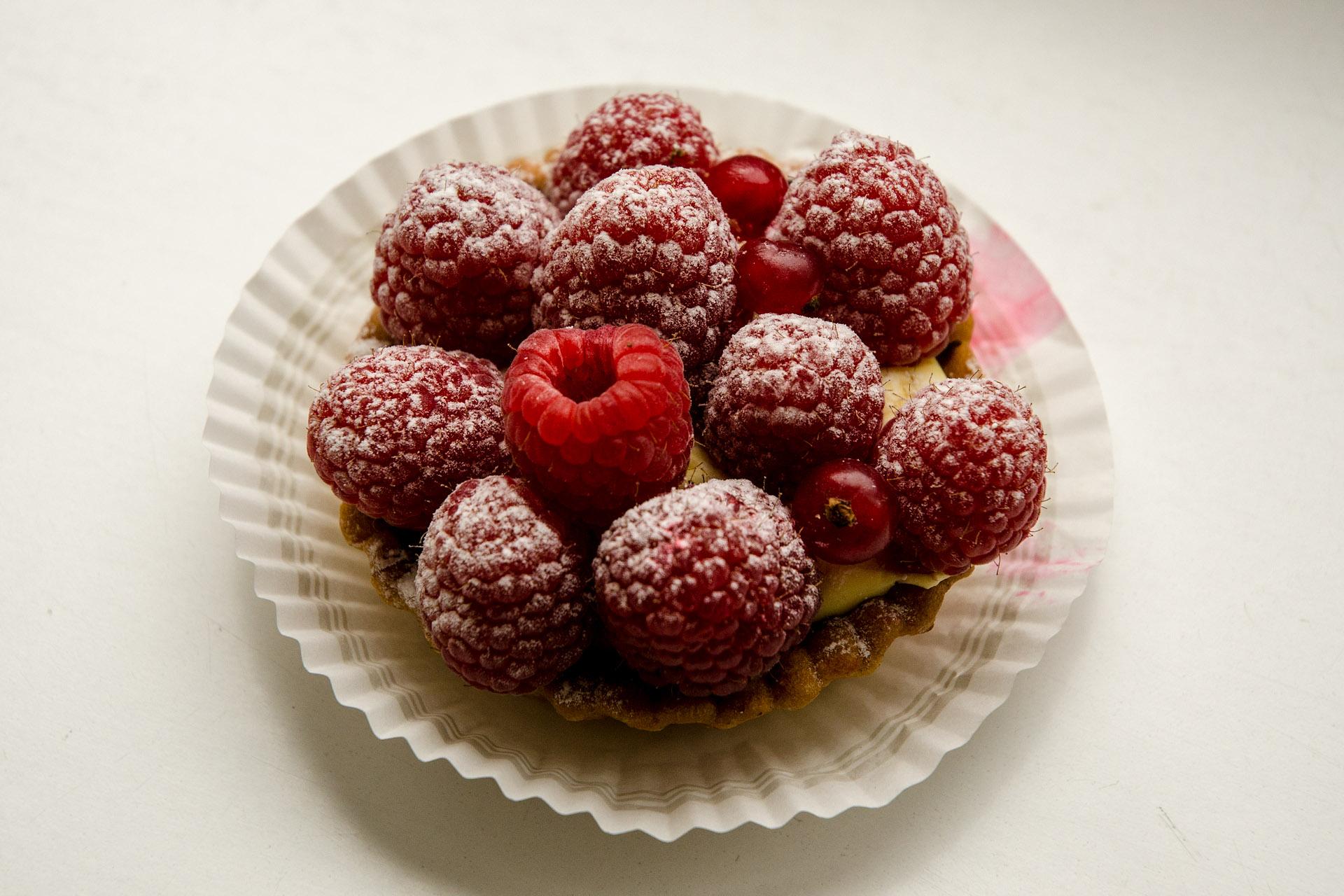Raspberry & vanilla cream tart