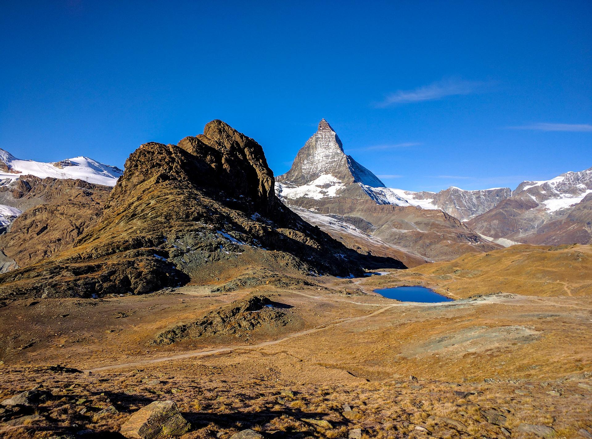 Matterhorn & Riffelsee Lake