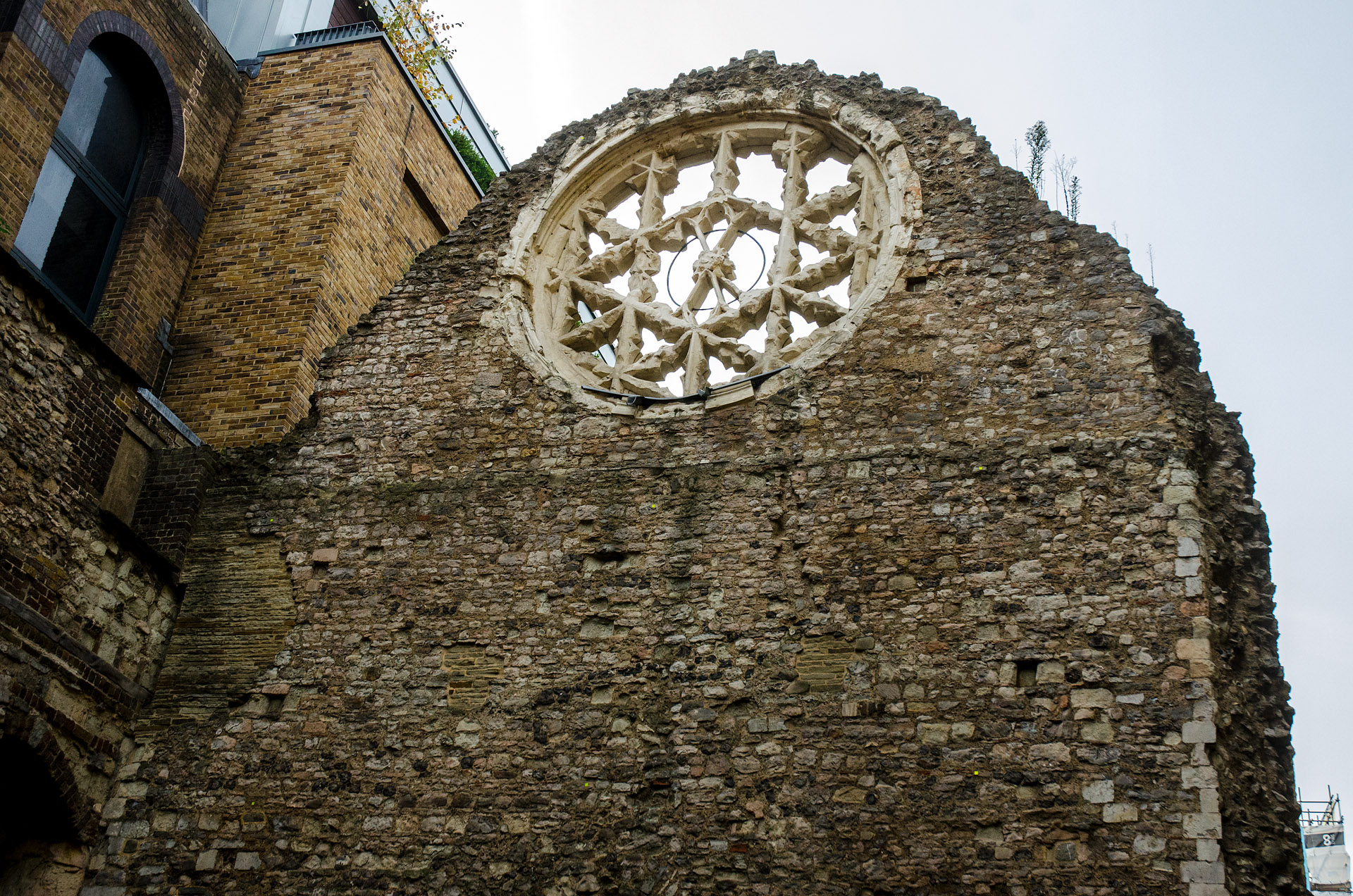 Winchester Palace (rose window)
