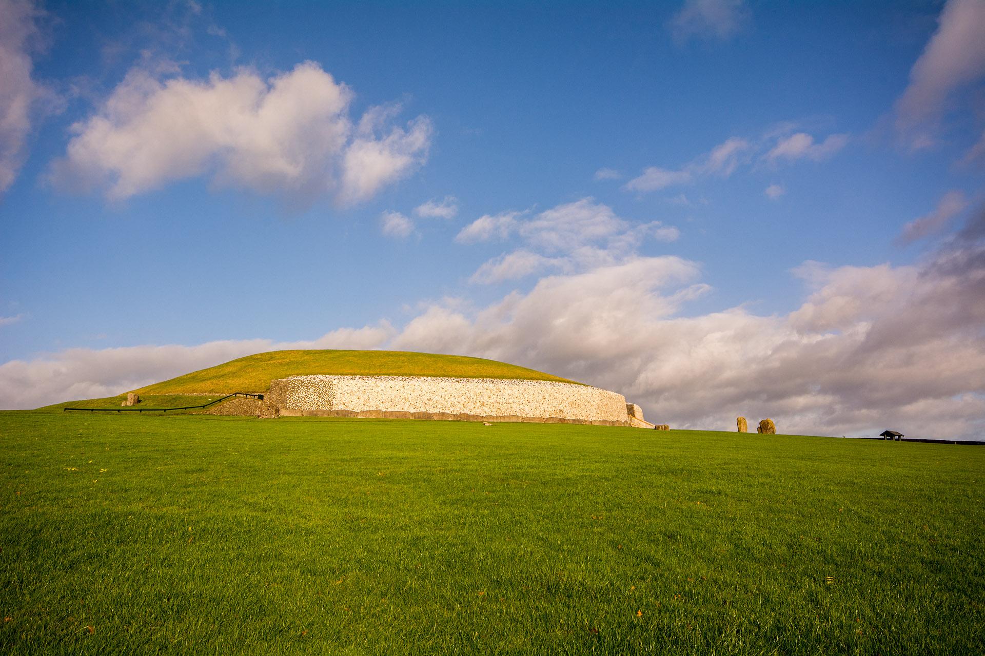 Newgrange (Neolithic passage tomb)