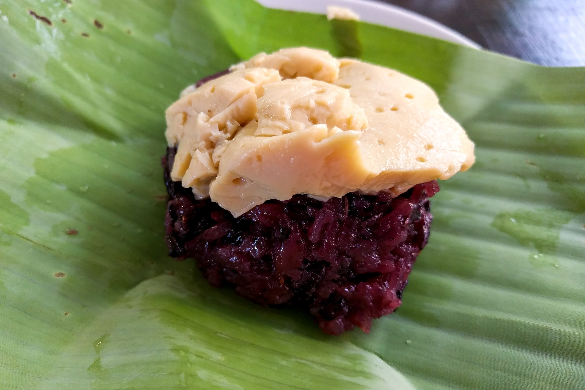 Banana with purple sticky rice