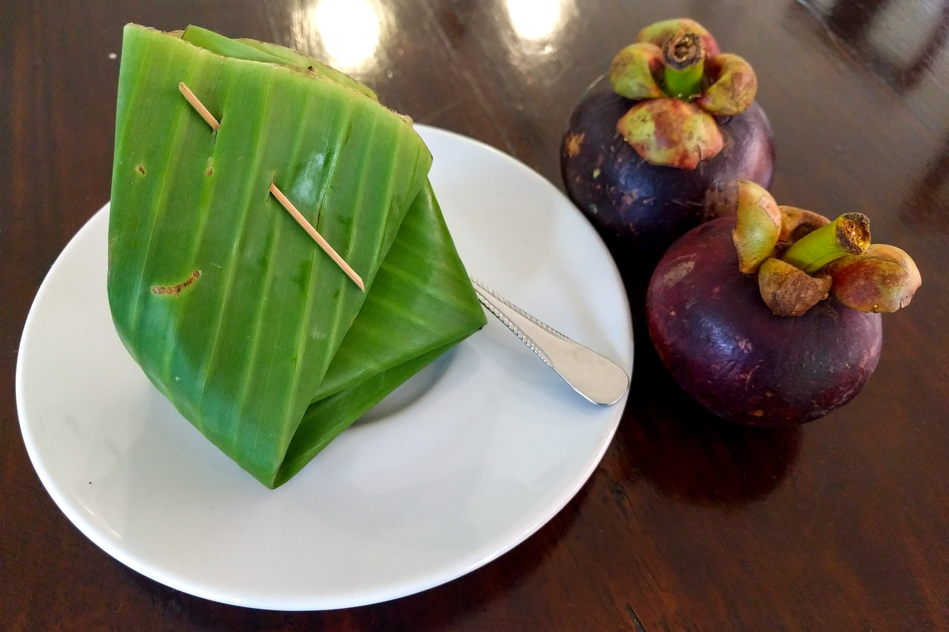 Banana sticky rice & mangosteens