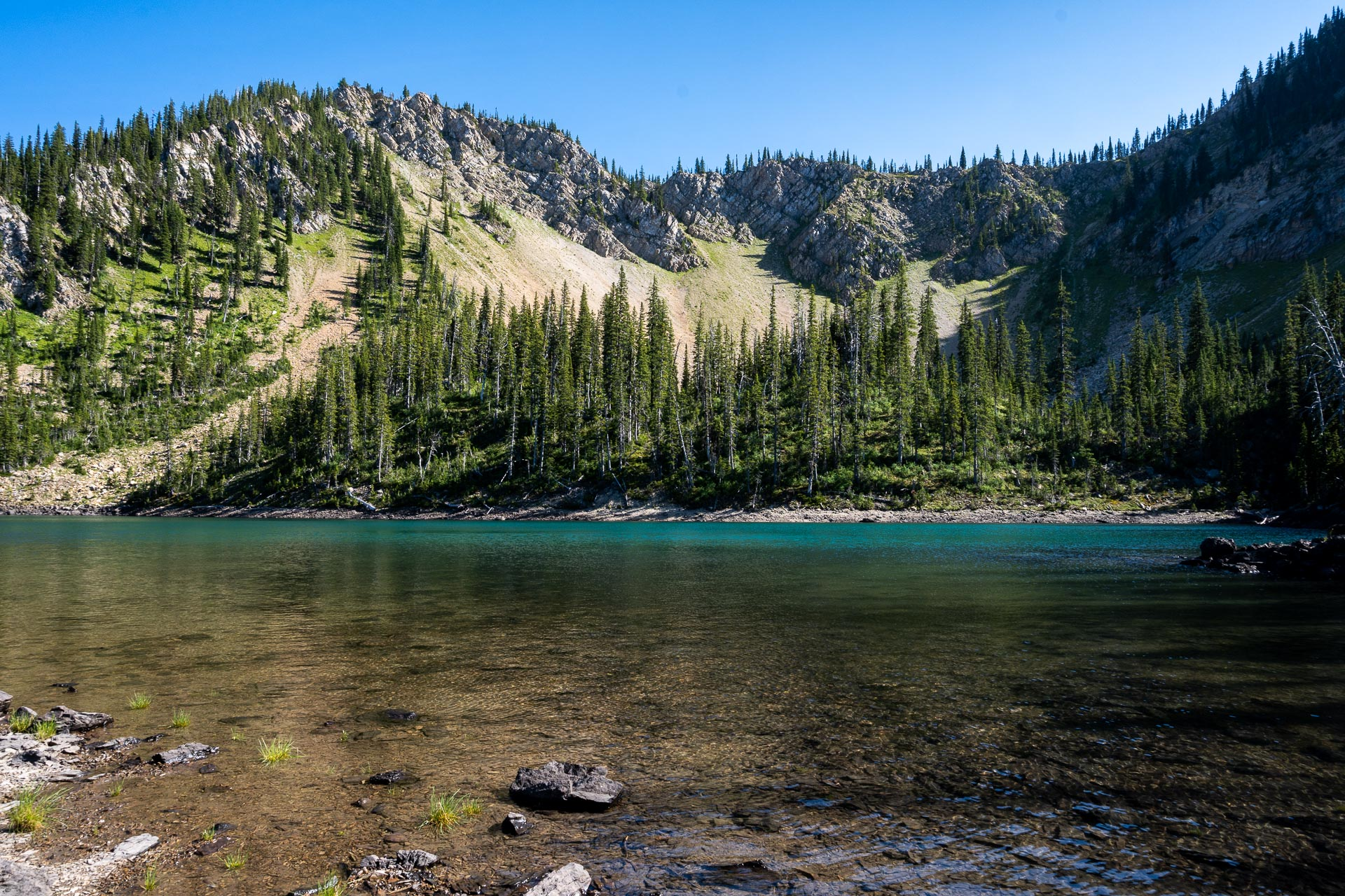 Doris Lakes