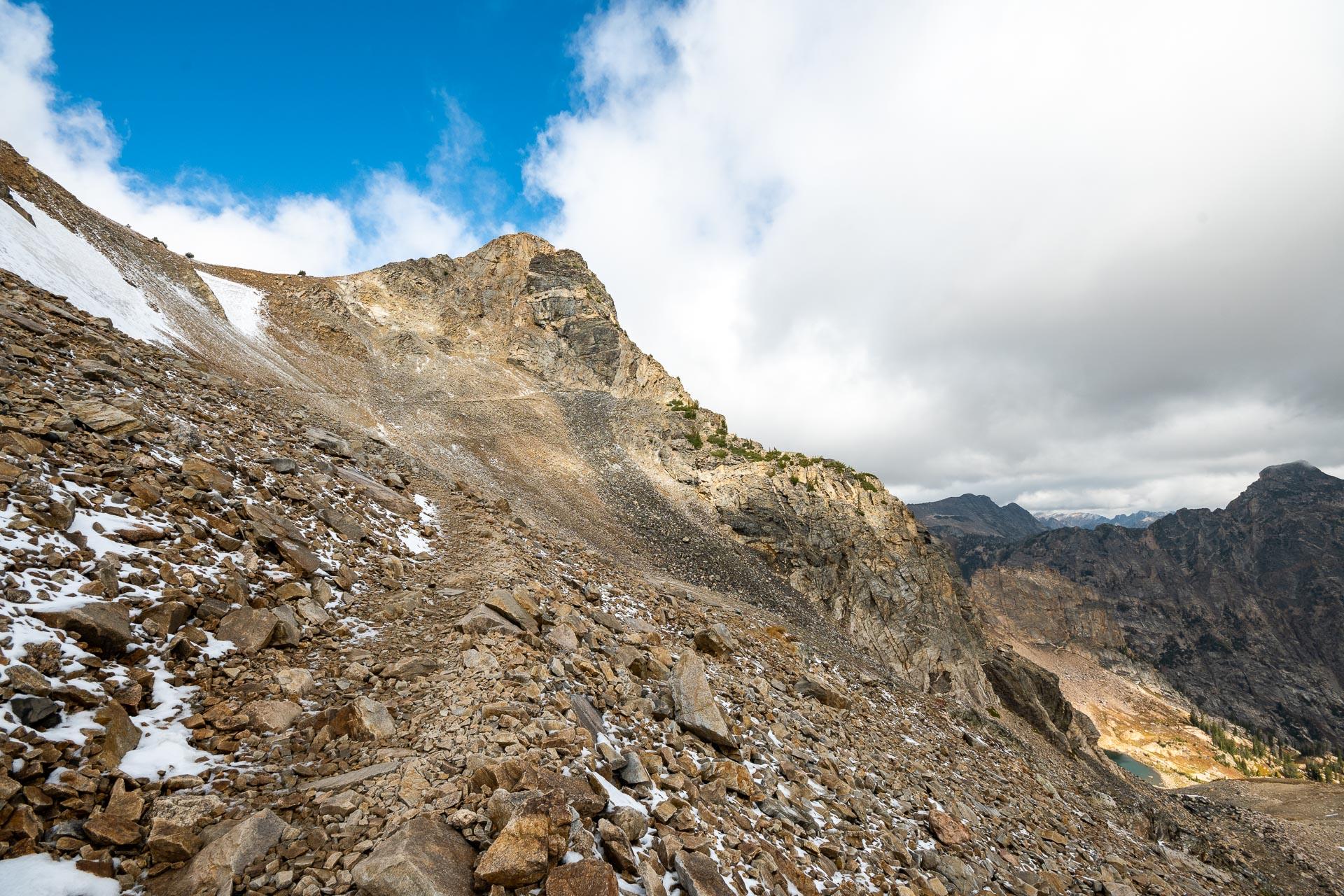 Trail ascending to Paintbrush Divide
