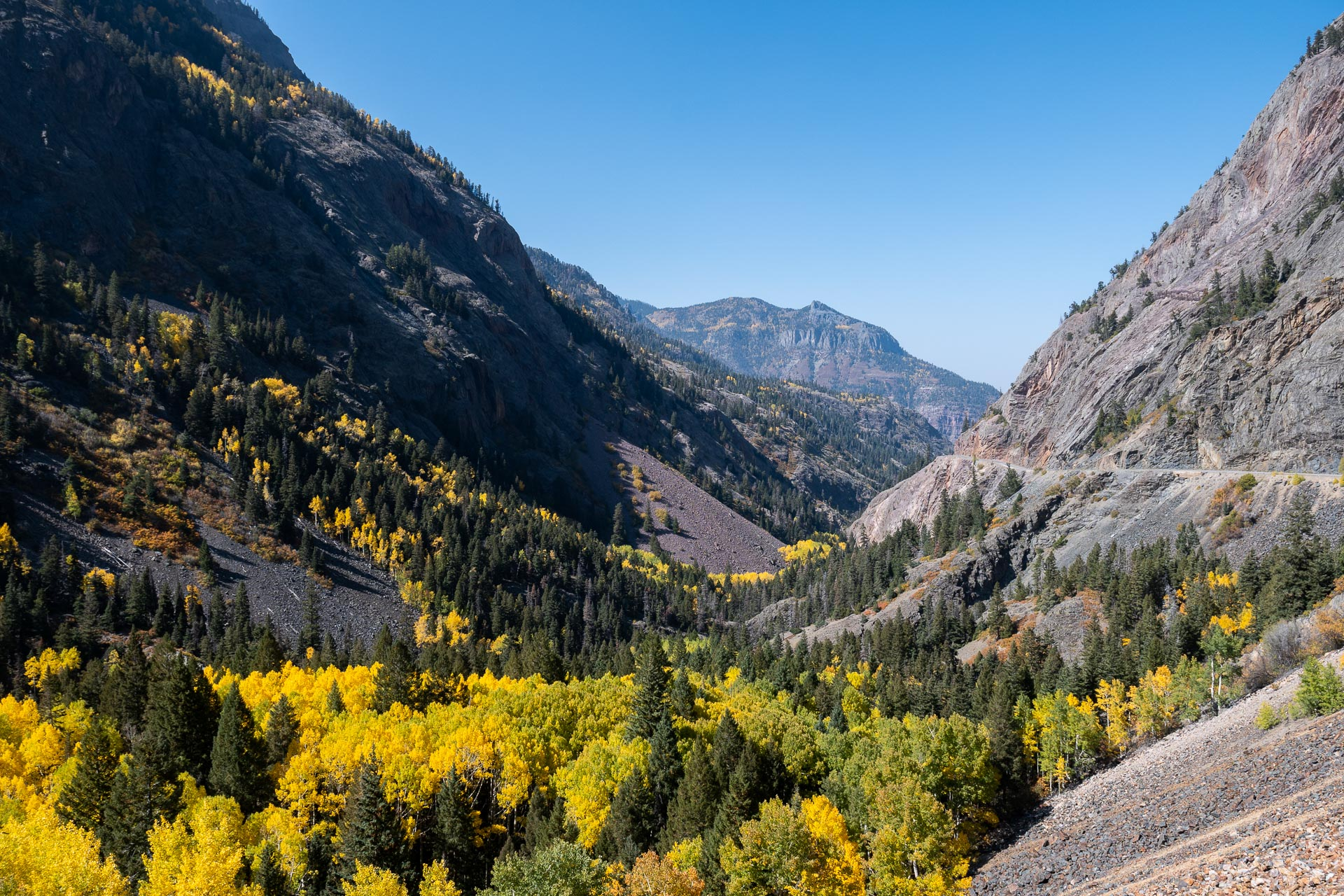 Million Dollar Highway approaching Ouray